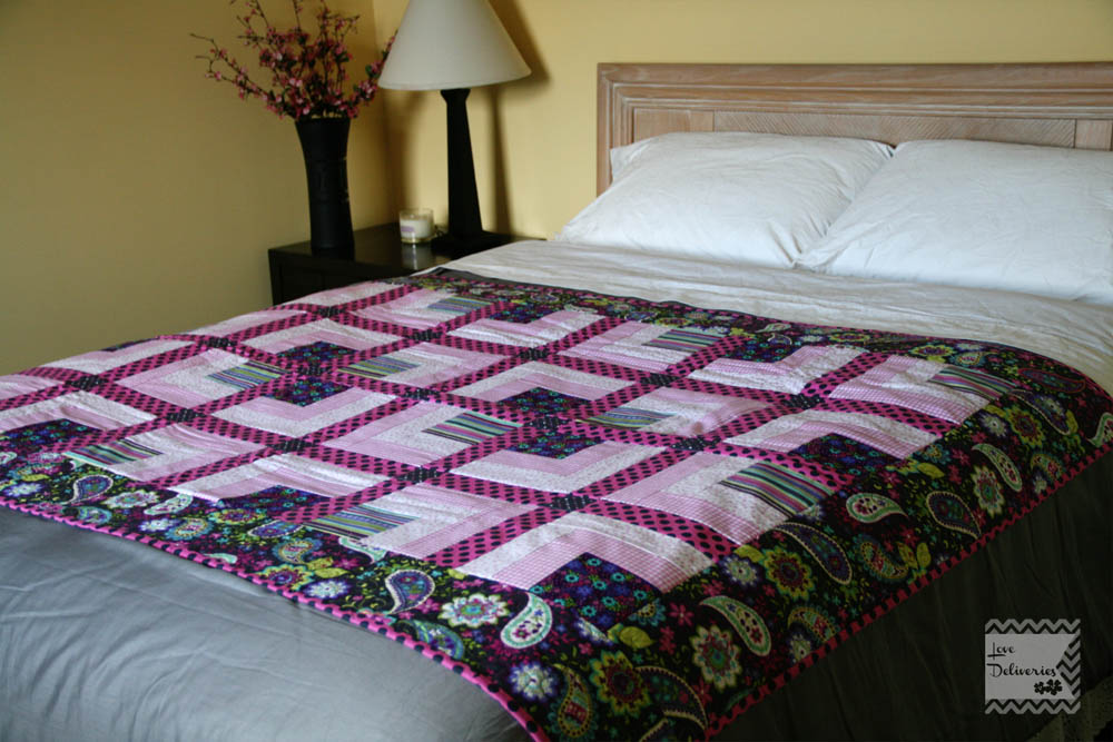 Love Deliveres: Pink and Grey Throw Quilt